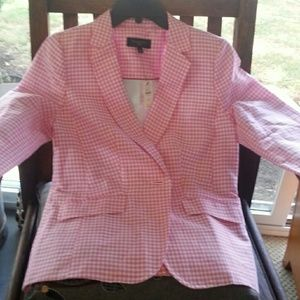 Spring and summer weight blazer NWT